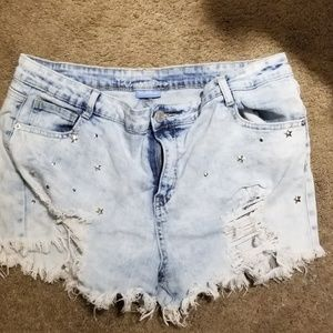 Ladies almost famous high rise Jean shorts